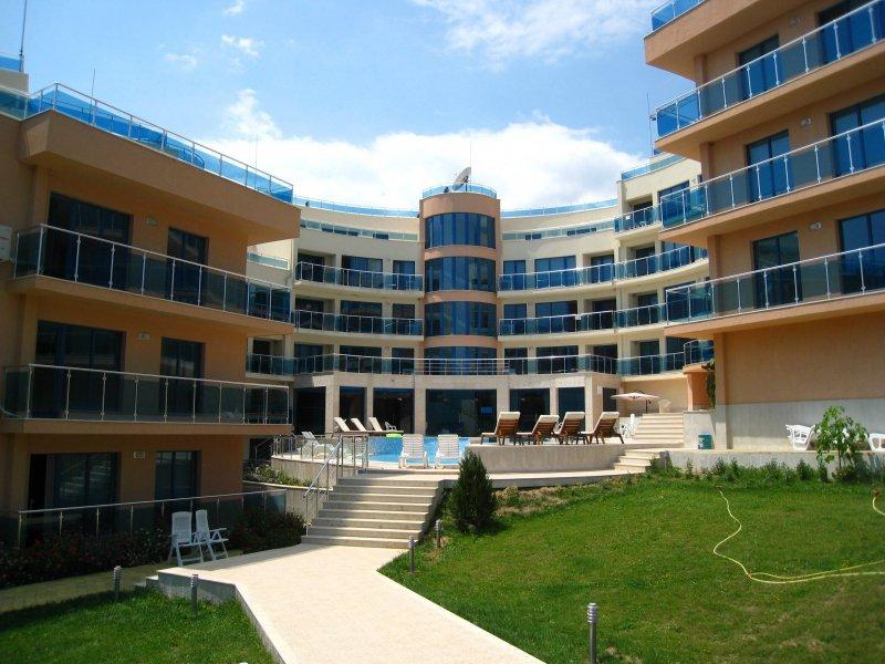 Купить апартаменты и квартиры в г Бяла в агентстве Lev